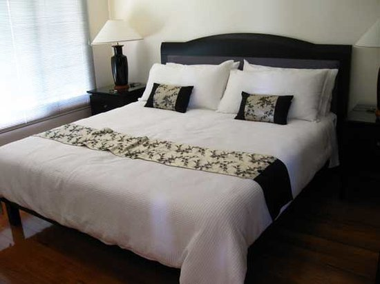 The Orchard Luxury B&B: The legendary bed with Egyptian sheets
