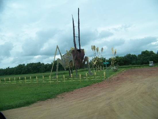 Hettinger, Северная Дакота: Another Enchanted Highway Sculpture