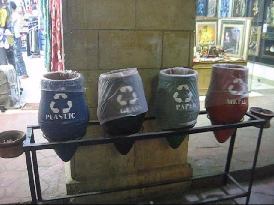 Omar Inn : Recycling Hurghada style