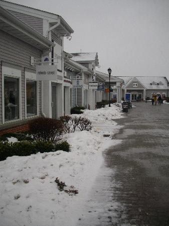 Woodbury Common Premium Outlets: allée