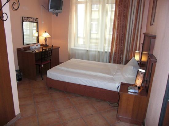 City Hotel-West: Gemütliches Doppelzimmer