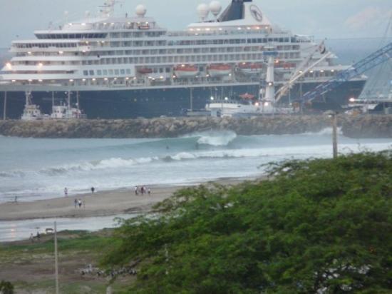 Manta, puerto internacional