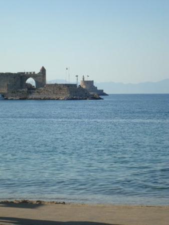 2 seas meet greece
