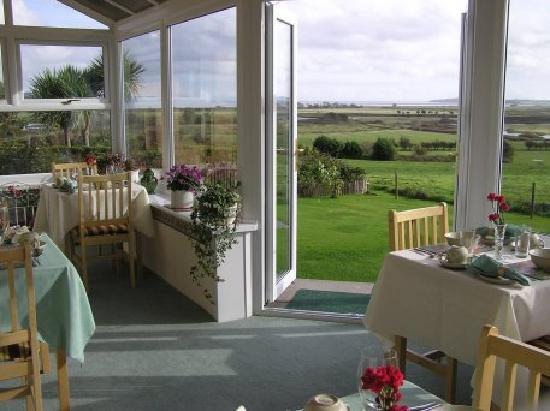 Brora Lodge B&B : The dining room view