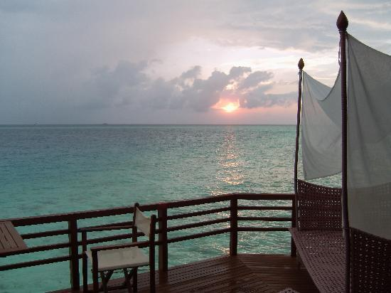 Baros Maldives: Sunset