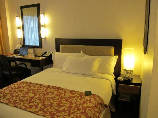 Impiana KLCC Hotel: superior queen room