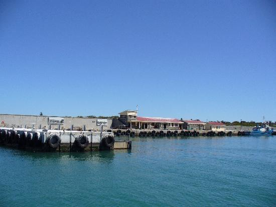 Bloubergstrand, South Africa: Arriving at Robben Island