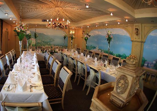 St. Tudno Hotel: Beautiful Restaurant set for Wedding Breakfast