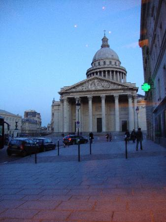 Le Comptoir du Pantheon : view from our table