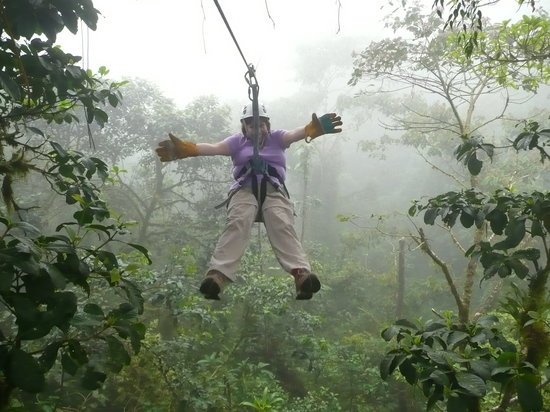 San Ramon, Costa Rica: zipping thru the clouds