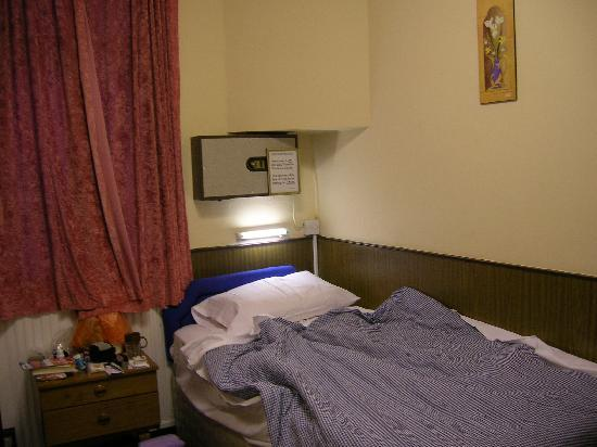 Holly House Hotel: chambre lit n°2