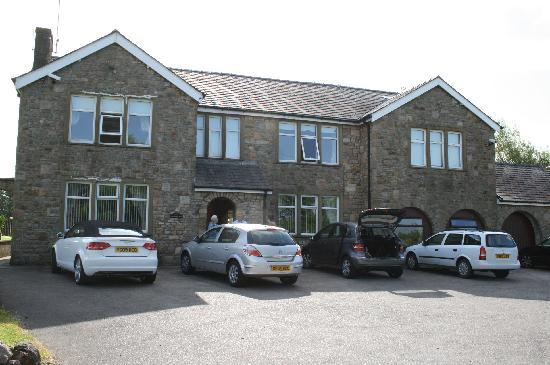 Capernwray House : Driving up to Capernwray