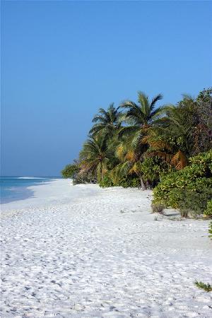 Kuredu Island Resort & Spa: Strandabschnitt