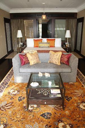 The Leela Palace Udaipur: hotel room