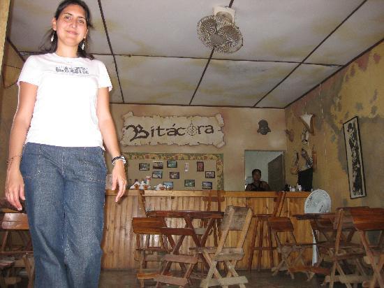 La Casa de Felipe: Bitácora, un riquísimo, pequeñito y económico restaurant frente al mar. Para comer y tomarse alg