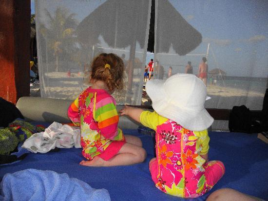 Azul Beach Resort Riviera Maya: Girls playing on a beach bed