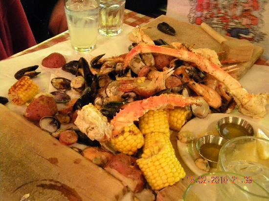 The Crab Pot Seafood Restaurant: Alaskan Seafeast
