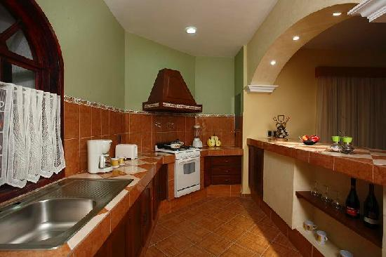 Suites Bello Xochimilco: Cocina completamente equipada