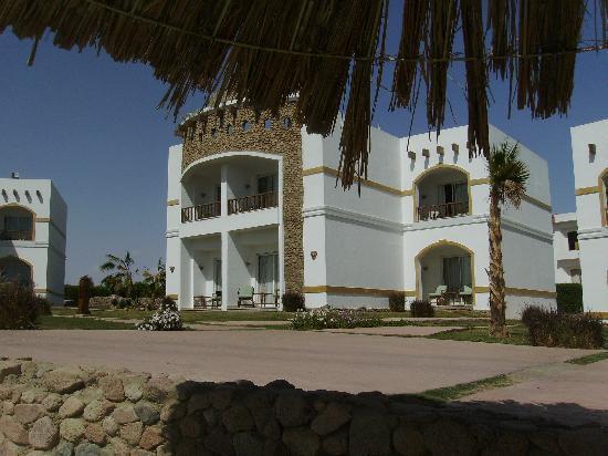 Gardenia Plaza Resort: Typical accomodation blocks