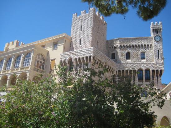 Prince's Palace: PALACIO REAL