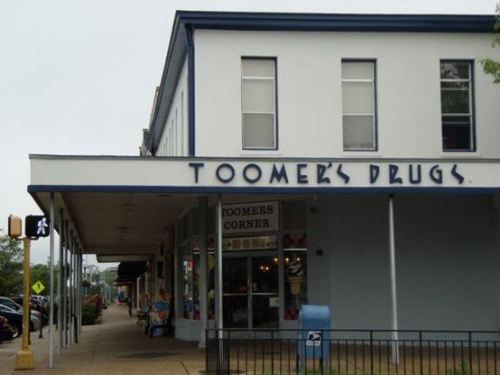 Toomer's Corner: P4050144.JPG