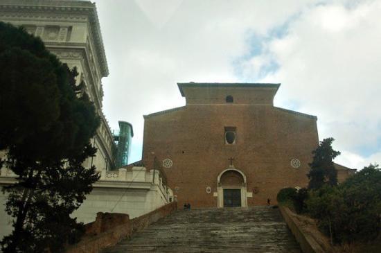 Piazza del Campidoglio: basilica di santa maria in ara coeli