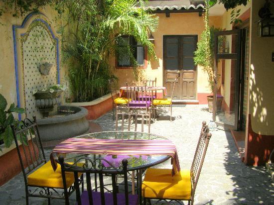 Hotel Casa Concepcion: Casa Concepcion courtyard