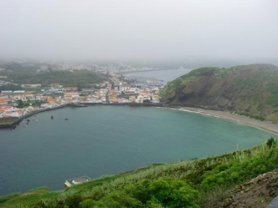 Horta, Portugalia: The view of the inlet above the whaling museum. Men hunted whales in small boats and slaughtered