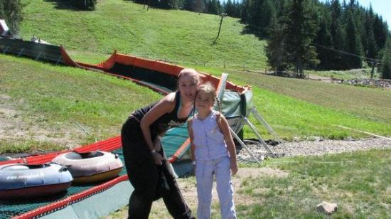 me and my niece Taylor...I LOVE my nieces! mount hood amusement park july 2007