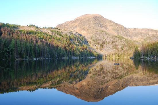 Cathedral Lakes Lodge: Beautiful lake views