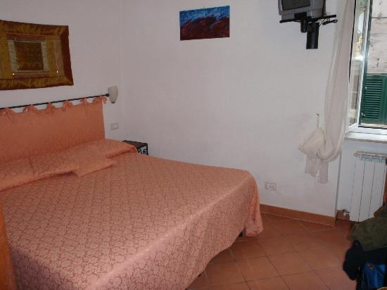 La Torre: Room, bed, everything very neat & clean
