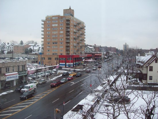 Ramada Jamaica/Queens: Th view of Jamaica