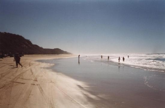 Seventy-Five Mile Beach : 75 Mile Beach..also a national runway!