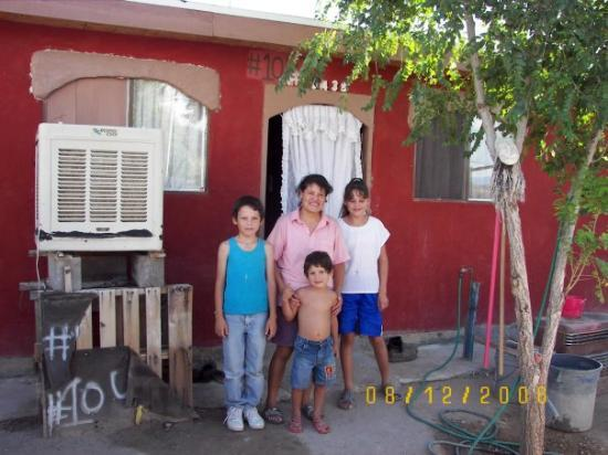 Ciudad Juarez, Mexico: 2006 The family from 2005, Orlando, Lola, Sandra & Edgar