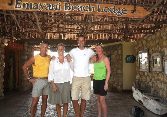 Emayani Beach Lodge: Abschied - Winni, Suzanne,Bastiaan,Maja