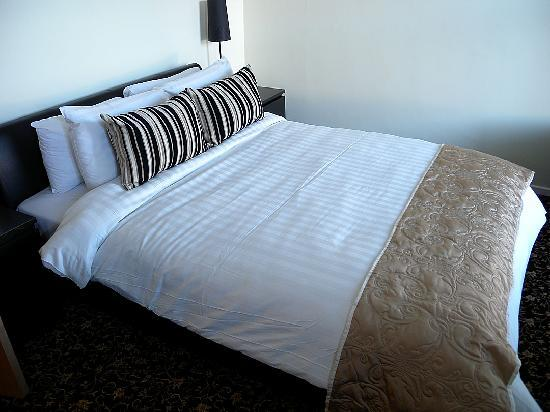 Strangford Arms Hotel : The Master bedroom, which has a fold out bed too