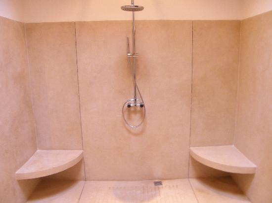 The Wallawwa: Huge shower
