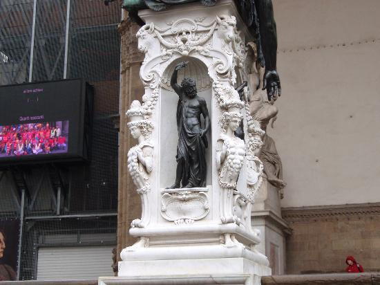 Firenze, Italia: detalle pedestal de El Perseo