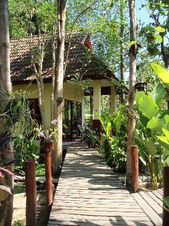 Oriental Kwai Resort: the bungalows