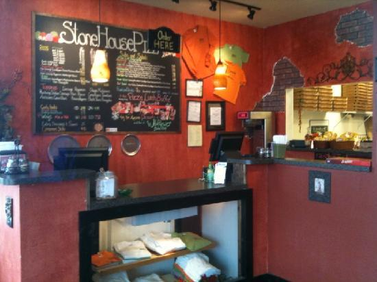 Stonehouse Pizza: The cute little counter