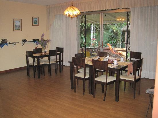Hostel Las Orquideas: Dining room