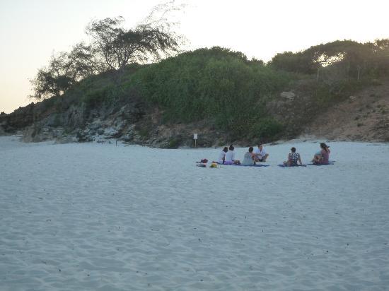 Garoda Resort: ancora la spiaggia al tramonto