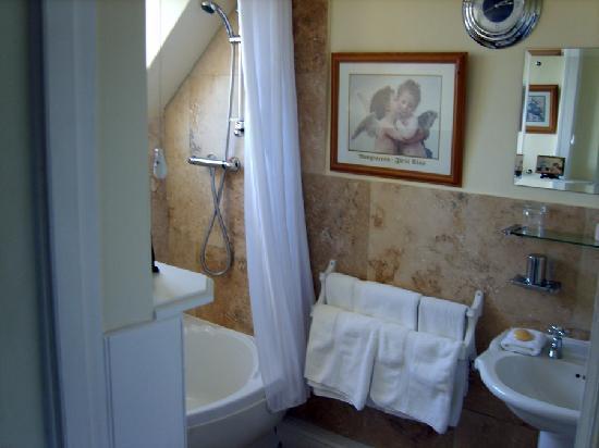 Kegworth House: Bathroom