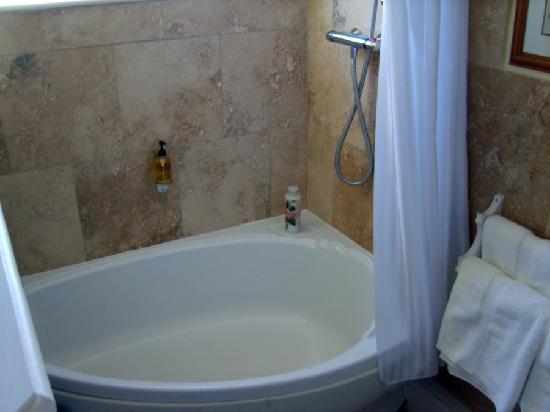 Kegworth House: Corner Bath