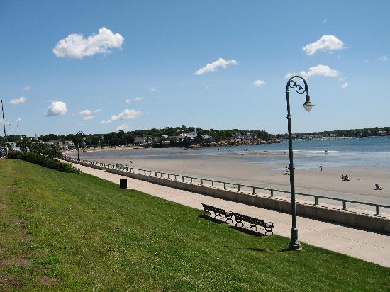 Lynn, MA: beach walkway