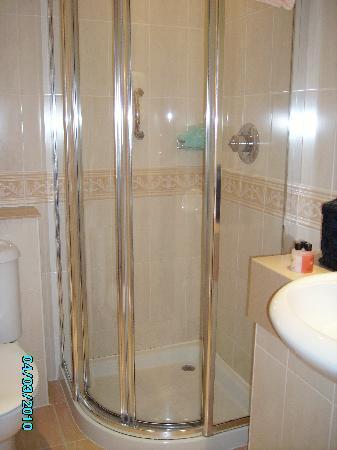 Inversnaid, UK: Bathroom
