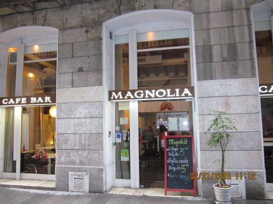 Home Cooking at Magnolia Restaurant: Entrance