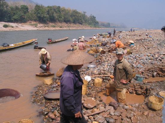 Belmond La Residence Phou Vao: Mekong gold panning