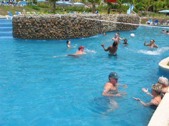 Sheraton Bijao Beach Resort : piscine