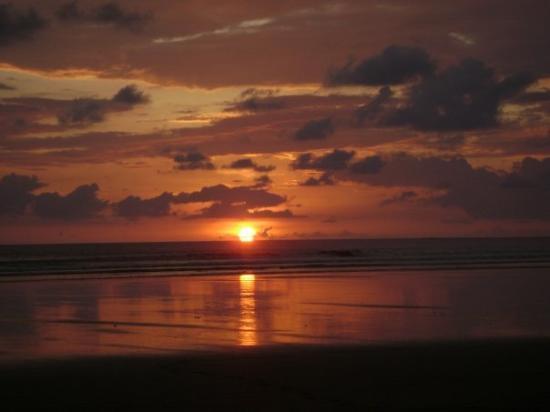 Dominical, Costa Rica: Costa Rica Sunset January 09